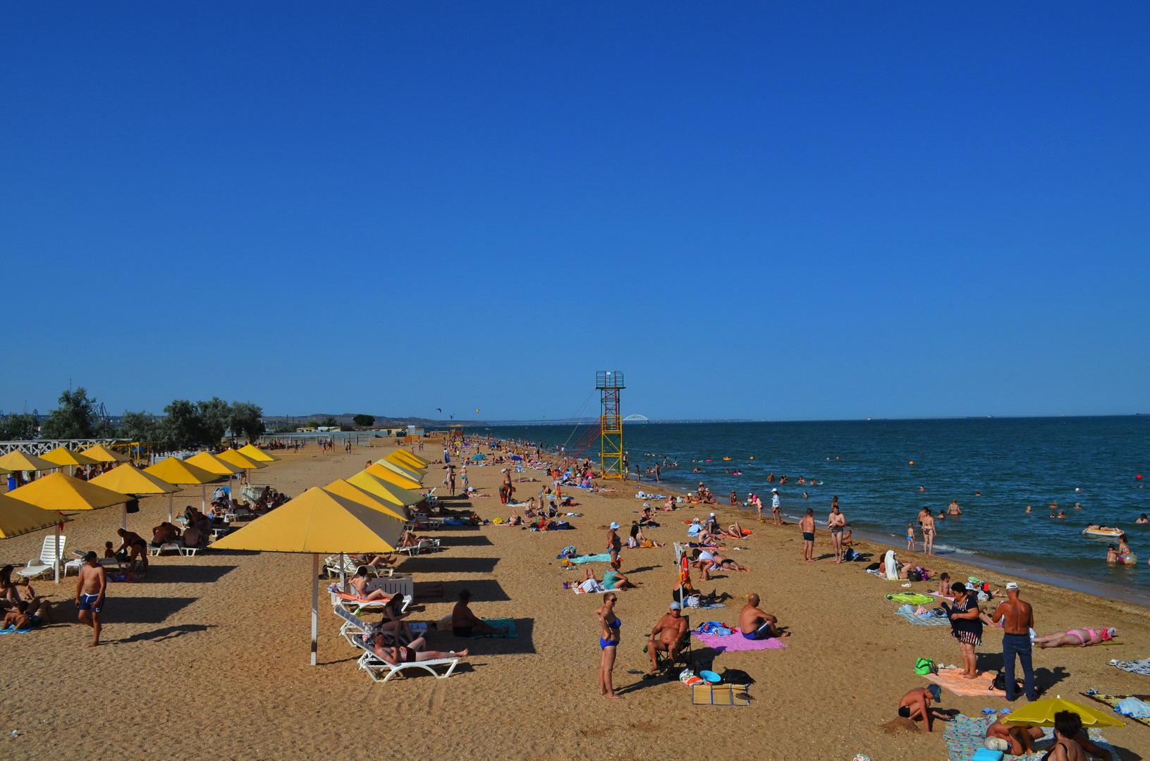 Kerch beach summe July 0204
