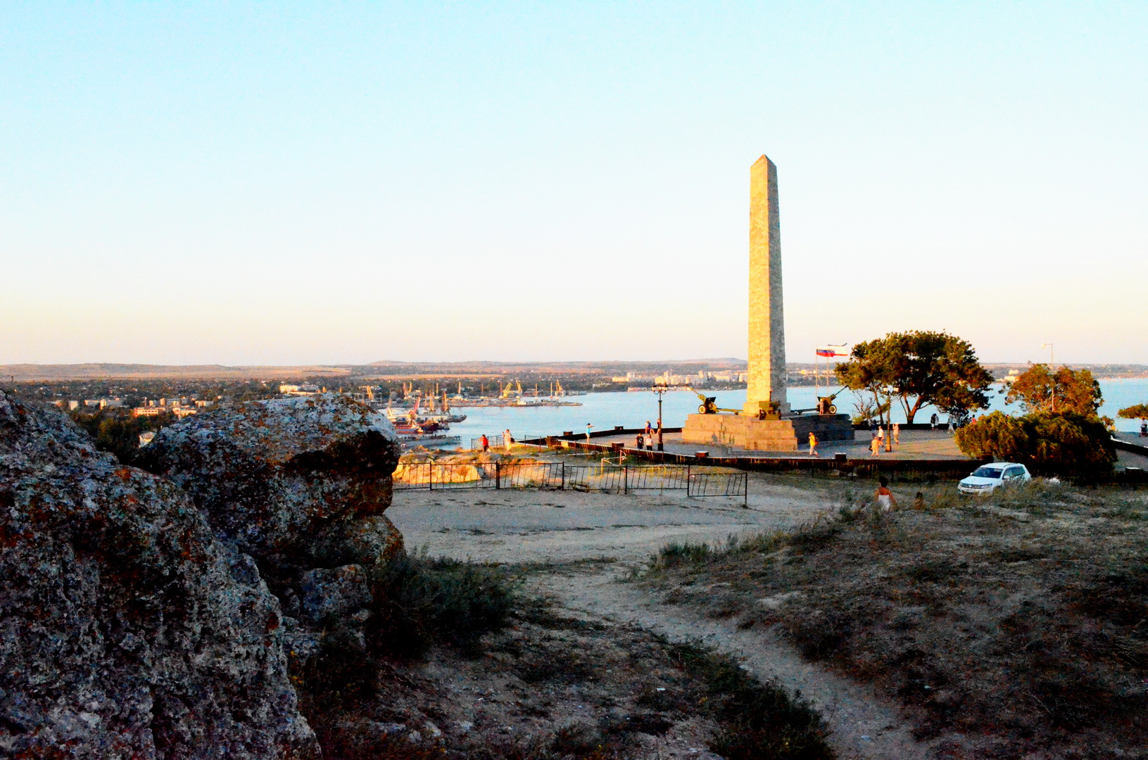kerch obelisk of glory